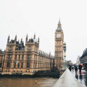 UK government warns of Windows 7